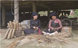 Nghề đan rọ tôm ở Bằng Cốc