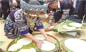Bánh dày của người Mông