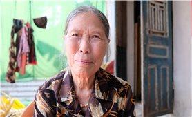 Chung tay chống dịch Covid 19 - Câu chuyện xúc động từ hai cụ bà
