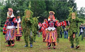 """Bảo tồn, phát huy văn hóa truyền thống: Chuyển giao """"chìa khóa"""" cho thế hệ trẻ"""