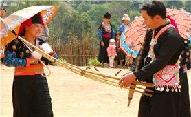 Trạm Tấu: Người Mông đón chung Tết Cổ truyền