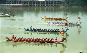Lễ hội bơi chải truyền thống trên sông Lô năm 2018