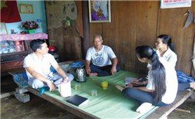 Khi già làng tích cực tuyên truyền kế hoạch hóa gia đình
