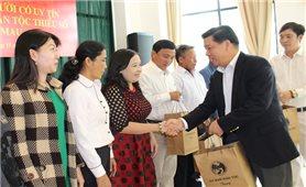 Gặp mặt Đoàn đại biểu người có uy tín trong đồng bào dân tộc thiểu số tỉnh Cà Mau