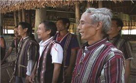 Kon Tum: Gặp mặt già làng tiêu biểu