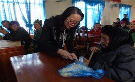Thứ trưởng, Phó Chủ nhiệm UBDT Hoàng Thị Hạnh: Thăm và chúc Tết đồng bào DTTS nghèo tỉnh Đăk Nông