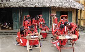 Lưu giữ và phát triển nghề dệt thổ cẩm của dân tộc Pà Thẻn