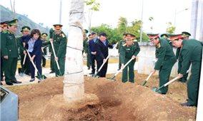 Đại tướng Ngô Xuân Lịch thăm, chúc tết tại Lào Cai