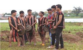 Chuyện bảo tồn văn hóa cồng chiêng ở làng Klũh Klăh