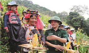 Lai Châu: Bộ đội Biên phòng cùng dân xây dựng NTM