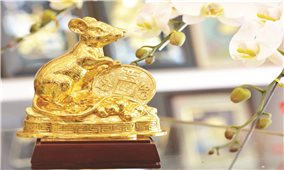 Người Hoa Chợ Lớn với tượng chuột phong thủy