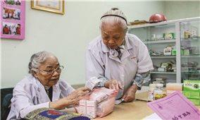 """Phòng khám từ thiện của những thầy thuốc tuổi """"thất thập"""""""