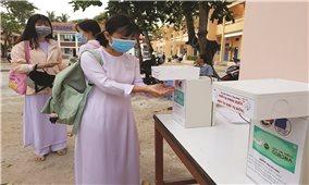 Học sinh của gần 30 tỉnh thành đã trở lại trường học
