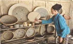 Sản phẩm mây tre đan của bản Diềm xuất ngoại