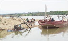 Vấn nạn khai thác cát trái phép trên sông Lam