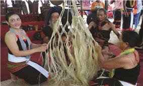 Nghề đan võng của người Cadong