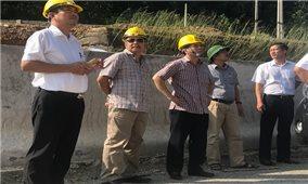 Ông Ngô Sơn Hải - Phó Tổng Giám đốc Tập đoàn Điện lực Việt Nam kiểm tra công tác ứng cứu phòng chống ảnh hưởng cơn bão số 6 tại Quảng Ninh