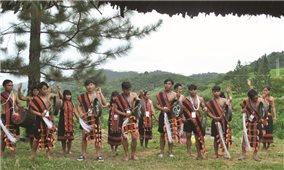 Người Cadong hát dân ca
