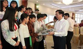 Ủy ban Dân tộc: Gặp mặt Đoàn học sinh giỏi tiêu biểu người DTTS tỉnh Hòa Bình