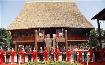 Bộ trưởng Đỗ Văn Chiến dự Lễ Kỷ niệm 60 năm thành lập Trường Cán bộ Dân tộc miền Nam