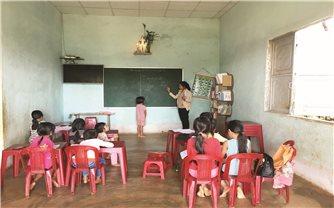 Lớp học miễn phí của cô Mlê