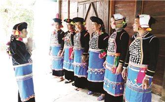 Người nặng lòng với văn hóa Si La