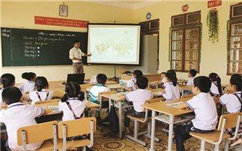 Tăng cường tiếng Việt cho học sinh vùng DTTS