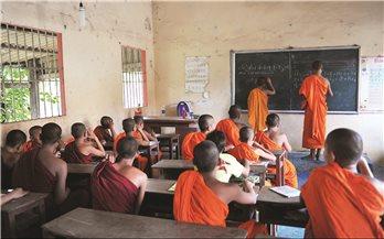 Những lớp học trong chùa Khmer: Học chữ - học đạo và học đời...