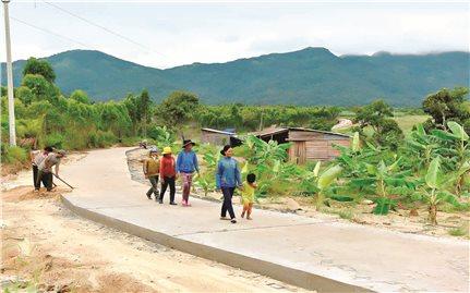 Chuyển từ hỗ trợ sang đầu tư phát triển: Giải pháp để giảm nghèo bền vững