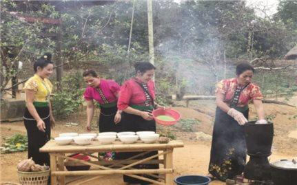 Nghe già làng kể chuyện ngày Tết