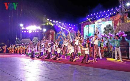 Khai mạc Lễ hội Óc Om Bóc - Đua ghe Ngo Sóc Trăng lần 3, khu vực ĐBSCL 2017