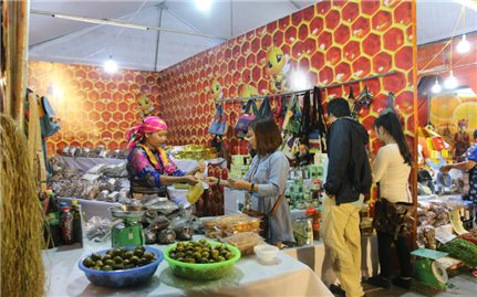 Đặc sắc không gian trưng bày văn hóa, du lịch và sản phẩm đặc trưng các dân tộc tỉnh Hà Giang tại Hà Nội