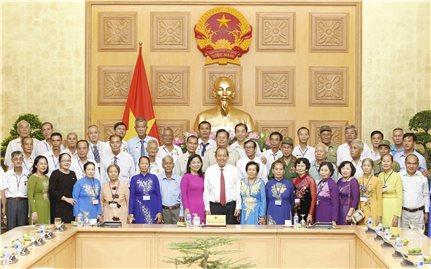 Phó Thủ tướng Trương Hòa Bình tiếp Đoàn người có công tỉnh Đồng Tháp