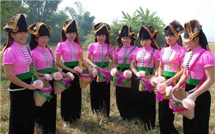 Hiệu quả từ chủ trương gắn phát triển du lịch với bảo tồn văn hóa các dân tộc ở Điện Biên