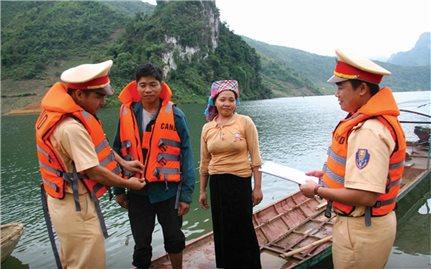 Lai Châu: Nâng cao nhận thức cho người dân khi tham gia giao thông đường thủy
