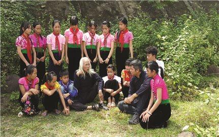 Thầy giáo trẻ đam mê văn hóa Thái