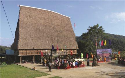 Làng Văn hóa Du lịch cộng đồng Kon Bring: Giữ gìn bản sắc văn hóa truyền thống