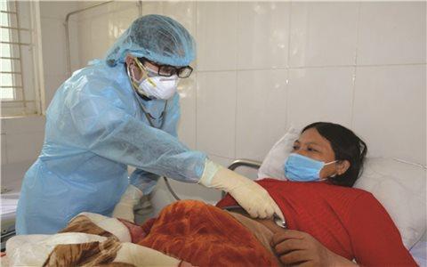 Nữ bác sĩ nơi tuyến đầu chống dịch