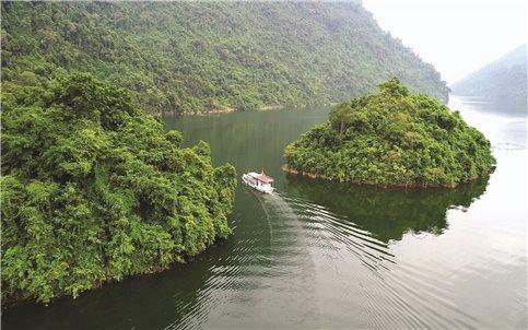 Na Hang (Tuyên Quang): Bảo vệ môi trường để phát triển du lịch