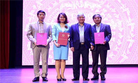 Ủy ban Dân tộc công bố các quyết định về công tác cán bộ