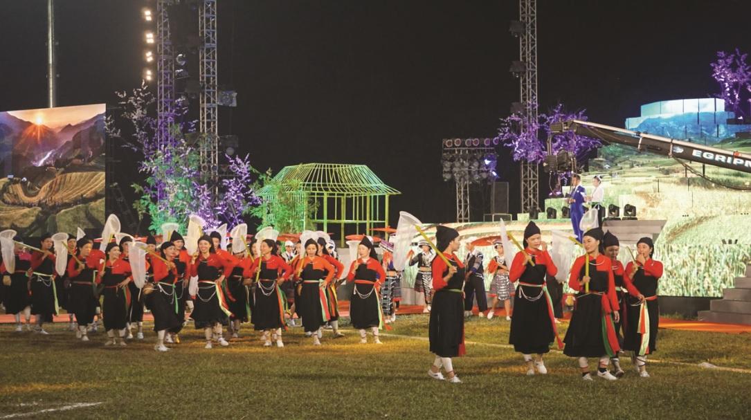 Nhiều nét văn hóa đặc sắc của đồng bào các DTTS Yên Bái được tái hiện tại Lễ hội.