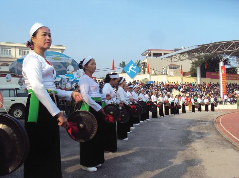 Đội cồng chiêng của đồng bào dân tộc Mường tỉnh Hòa Bình, thường xuyên có mặt trong các lễ hội.