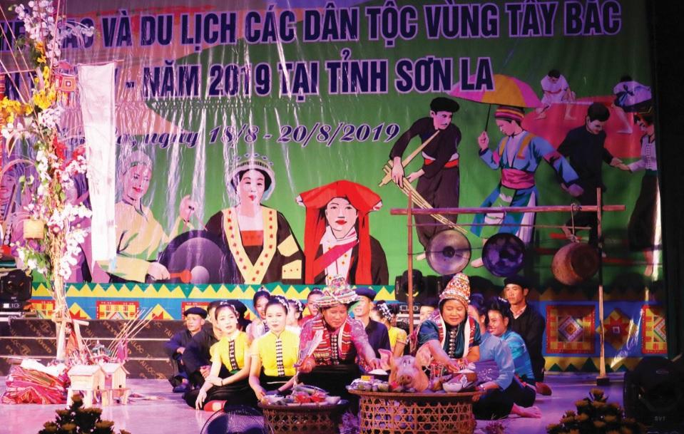 Lễ hội Mường A Ma của đồng bào dân tộc Xinh Mun tái hiện trên sân khấu Ngày Hội Văn hóa, Thể thao và Du lịch các DTTS vùng Tây Bắc 2019.