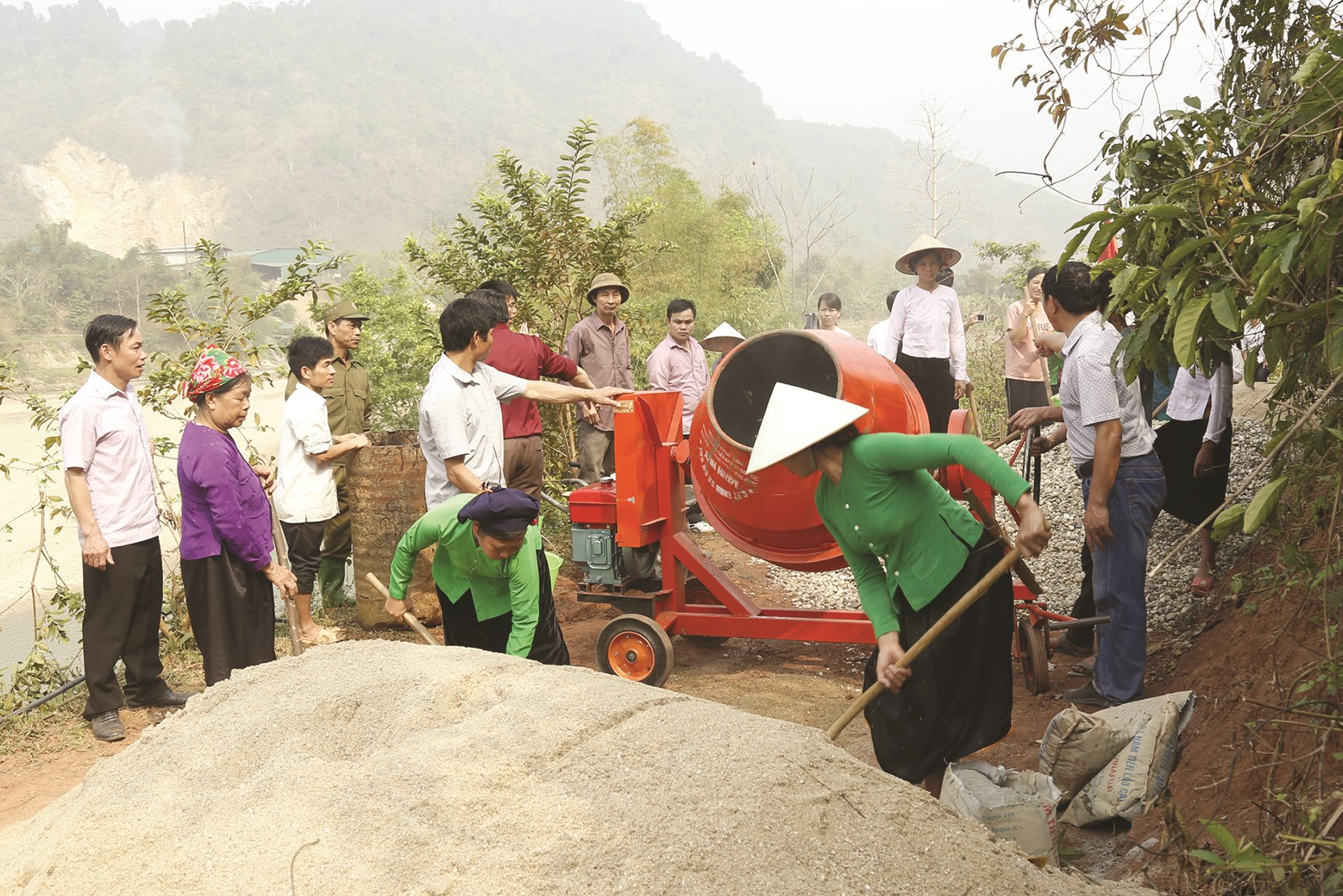 Việc nhất thể hóa chức danh bí thư kiêm trưởng thôn tại xã Nghĩa Đô giúp công tác chỉ đạo xây dựng nông thôn mới được thuận lợi hơn