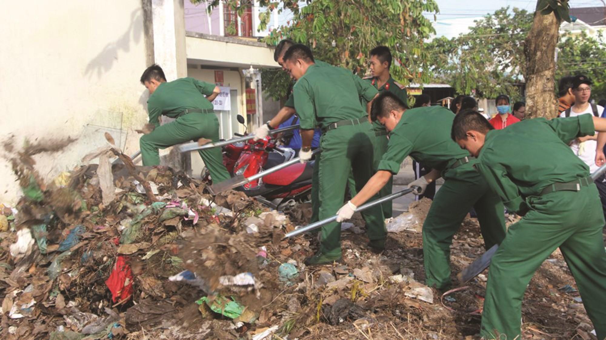 Công tác bảo vệ môi trường thu hút được nhiều cơ quan, đơn vị tham gia hưởng ứng.