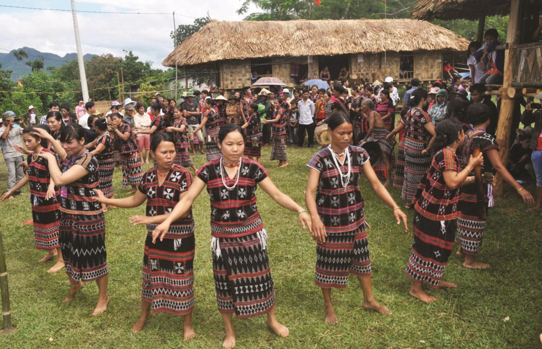 Kinh tế phát triển ổn định, các giá trị văn hóa của đồng bào DTTS ở Thừa Thiên - Huế được giữ gìn, phát huy