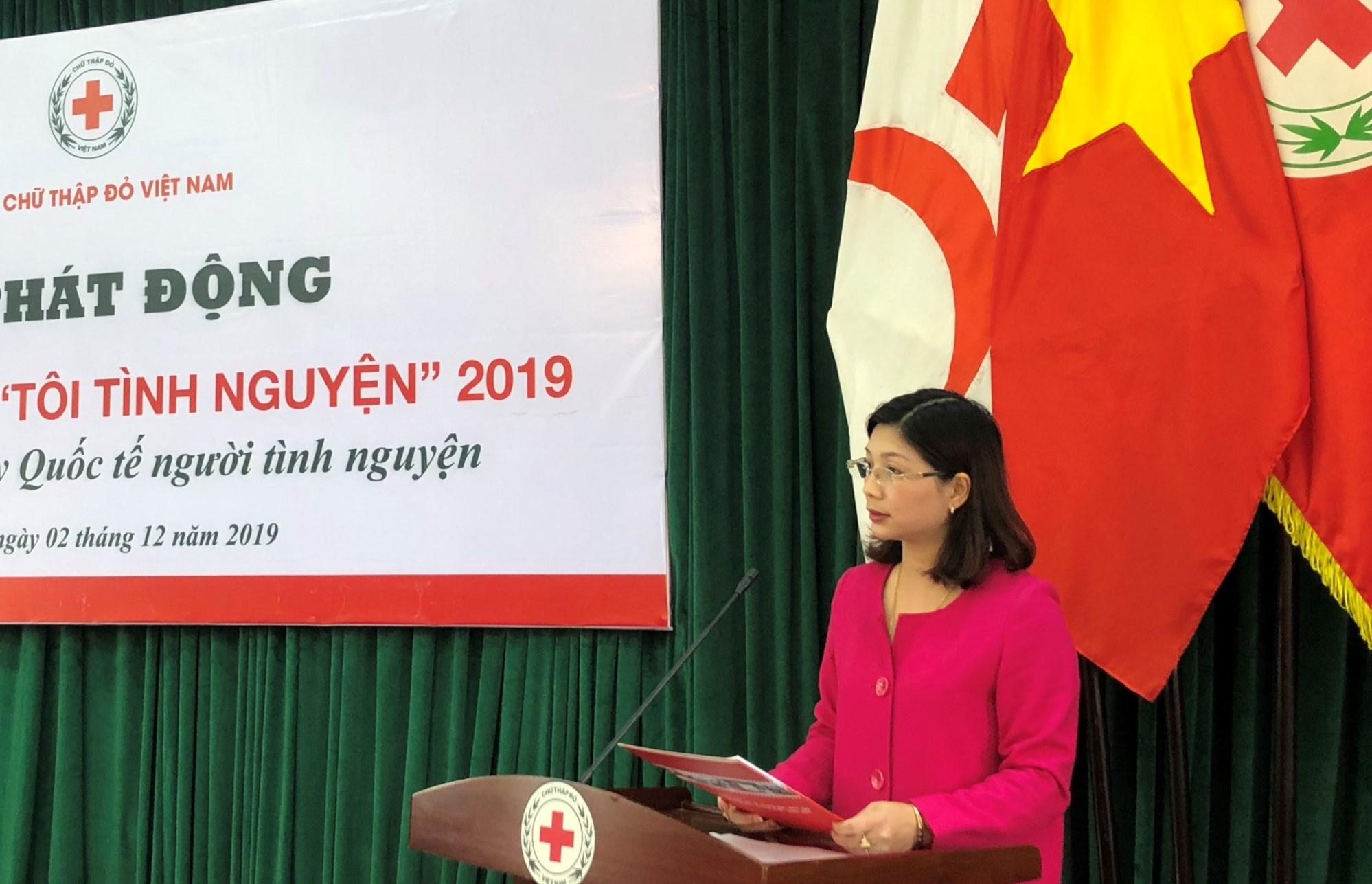 Bà Trần Thu Hằng, Trưởng Ban Truyền thông và Tình nguyện viên, Trung ương Hội Chữ thập đỏ Việt Nam phát biểu tại Lễ phát động
