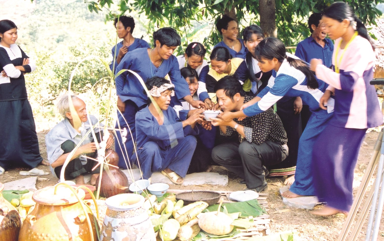 Hương rượu cần đang dần phai nhạt trong cộng đồng người Raglai. (Ảnh minh họa)
