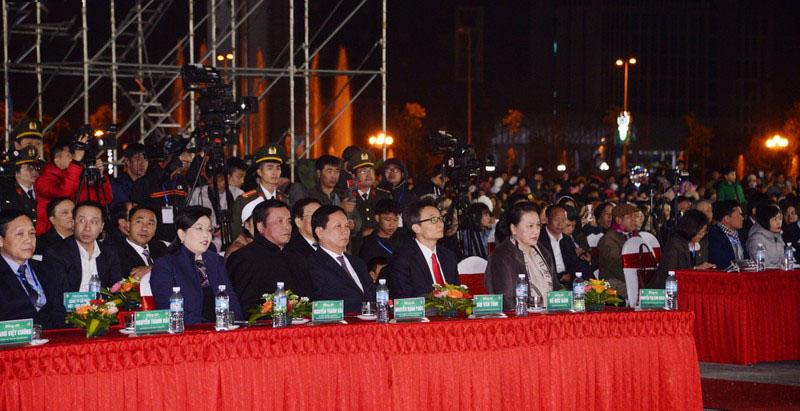 Các đại biểu dự Lễ Khai mạc Tuần Văn hóa, Du lịch tỉnh Hòa Bình năm 2019
