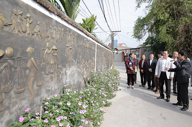Các con đường của thôn Đông Thượng hôm nay đã được bê tông hóa sạch sẽ, thoáng rộng